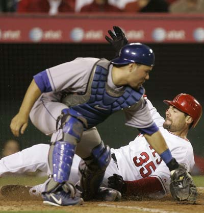 dodgers_angels_baseball_02_400.jpg